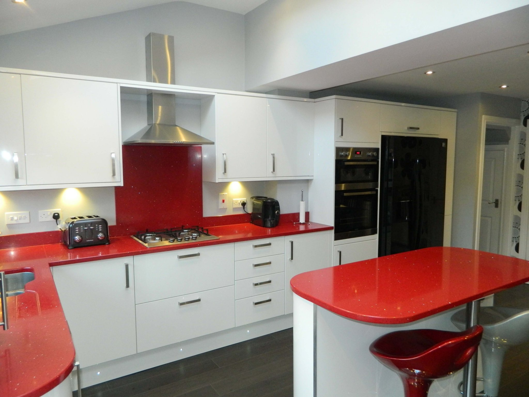 quartz worktops red sparkle silestone
